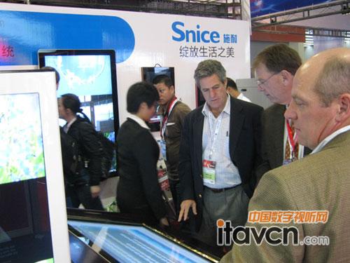施耐亮相2012中国广州国际广告标识展