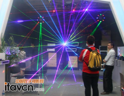 斯巴克携系列激光灯新品亮相palm2012