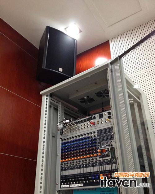 数码音响播放器q13的视频输入电路图