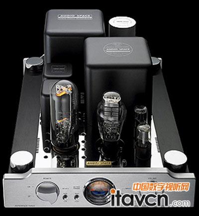 硕大的reference 3(845)分上背负着数颗变压器,独立提供给各部分电路