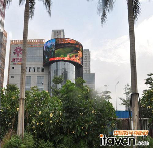 深圳时代城半圆弧形全彩led显示屏案例