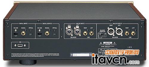 8组es9018组成并行驱动电路负责将送入的192khz/32bit的数字信号通过