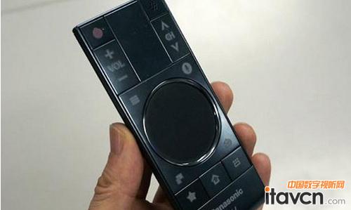 用户可以通过手机设置电视的对比度,亮度等参数,就像使用遥控器那样