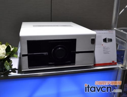 巴可推最安静激光荧粉投影机