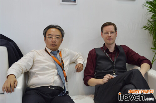 Ventuz中国总裁韩小龙先生及Ventuz Technology AG COO,Mr. Erik Beaumont。