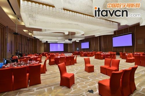 天津假日酒店高端宴会厅松下投影添光彩