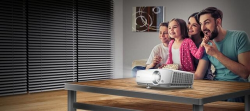 客厅轻影院 明基家用投影机W1050上市