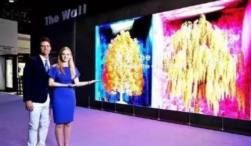 三星电子在美国发布模块化MicroLED电视