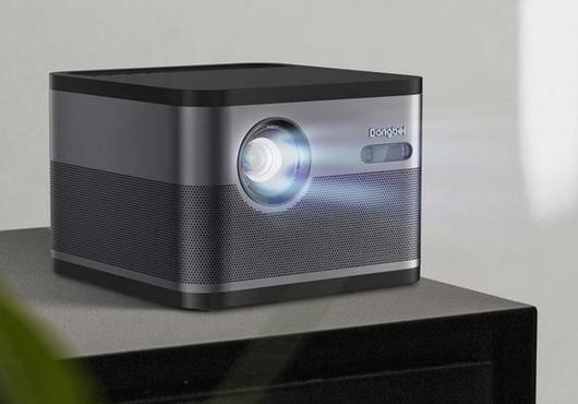 当贝F3家用投影机 拥有远场语音功能
